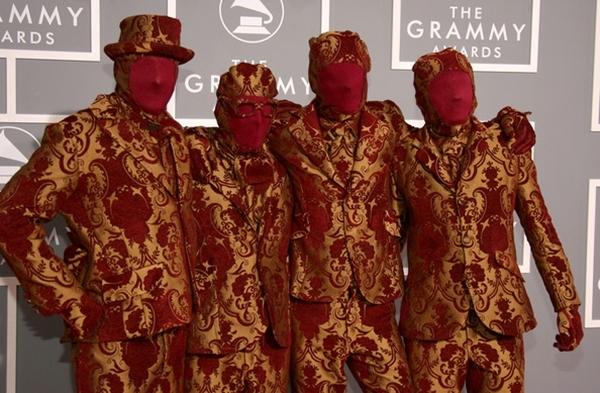 """Các thành viên nhóm OK GO như là những """"cái đèn di động"""""""