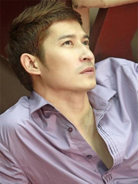 Được biết đến với vai trò là người mẫu, diễn viên, với lợi thế từ hình thức, Huy Khánh dễ dàng chiếm được tình cảm của người khác giới. - Tin sao Viet - Tin tuc sao Viet - Scandal sao Viet - Tin tuc cua Sao - Tin cua Sao