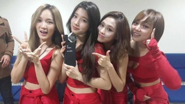 Những pha nhào lộn của nghệ sĩ Kpop khiến fan hoa mắt