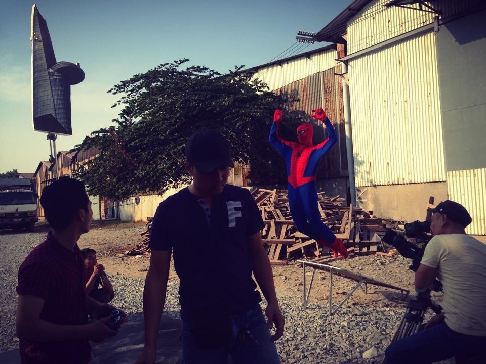 """BB Trần hoá Thánh nhện trong siêu phẩm """"The Amazing Spider Man 2"""""""