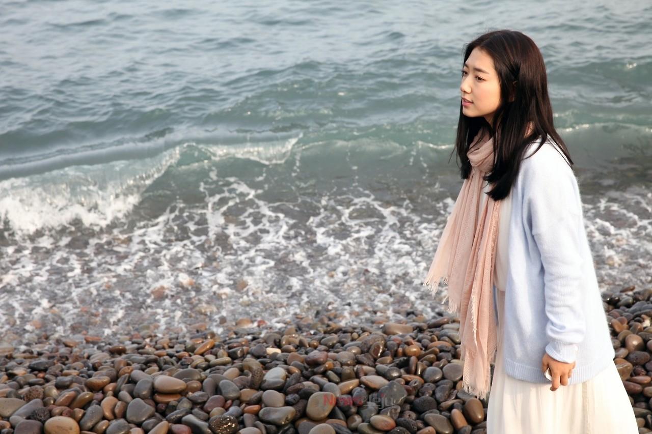 Park Shin Hye dịu dàng trên đảo Jeju