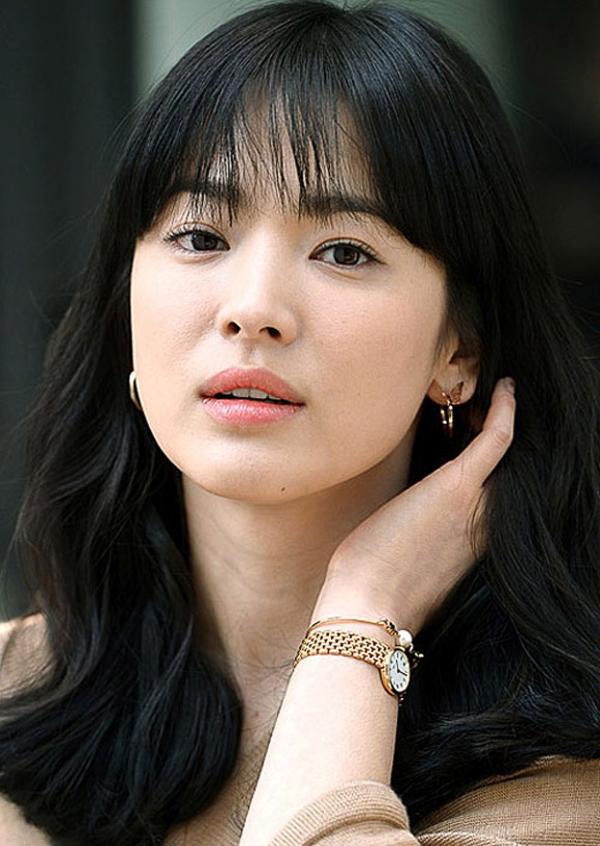 Tóc mái thưa - xu hướng mê hoặc các quý cô Châu Á