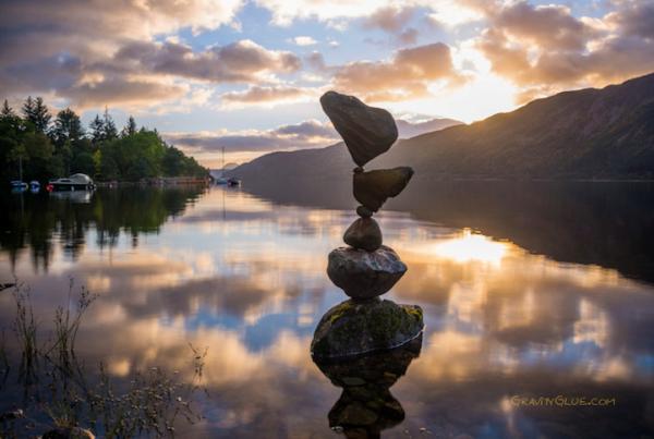 Những hòn đá nhỏ vẫn có thể nâng đỡ các tảng đá lớn hơn nó rất nhiều