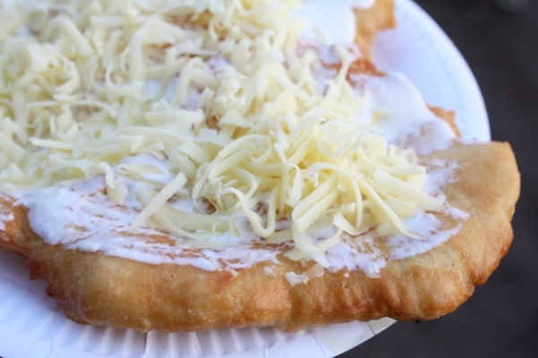 Du lịch Hungary phải thưởng thức những món ăn này