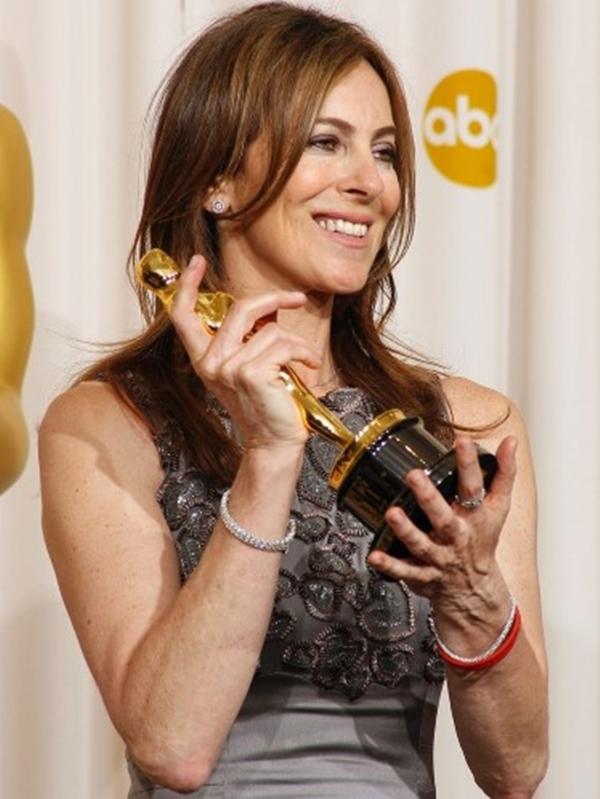 Trong năm 2010 Kathryn Bigelow trở thành nữ đầu tiên để giành chiến thắng giải Oscar cho Đạo diễn xuất sắc nhất The Hurt Locker.