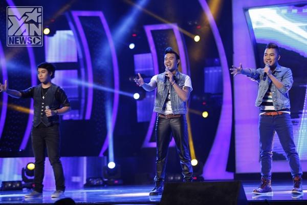 Chương trình mở màn với ca khúcDù có cách xacủa tác giảĐinh Mạnh Ninhvới sự trình bày của Top Nam Vietnam Idol.