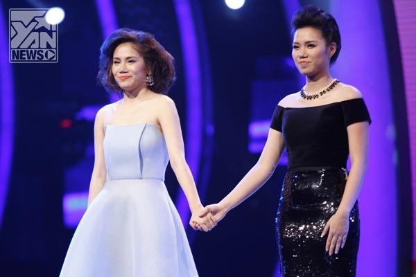 """Yến Lê - Ngân Hà """"nắm tay"""" ra về tại Top 8 Vietnam Idol"""