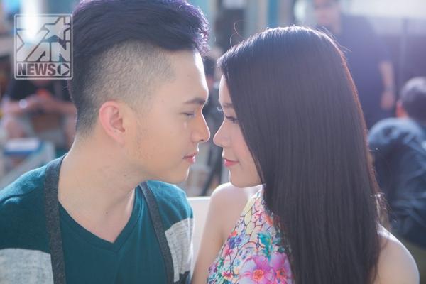 "Nam Cường ""khóa môi"" hotgirl Sam trong MV mới - Tin sao Viet - Tin tuc sao Viet - Scandal sao Viet - Tin tuc cua Sao - Tin cua Sao"
