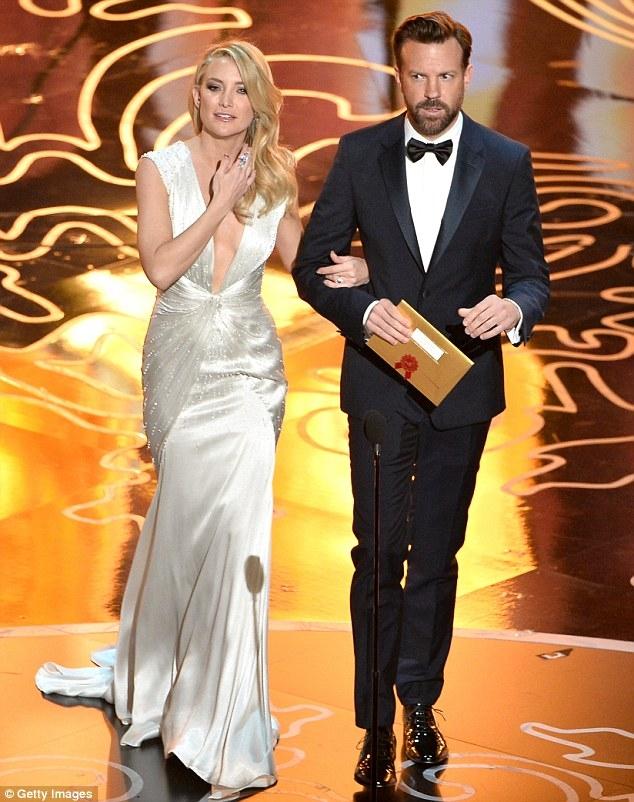 Phim hành động ngắn xuất sắc nhất đã thuộc về bộ phim Helium.Kate Hudson và Jason Sudeikis đã trao giải cho hạng mục này.