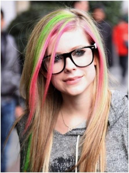 Tóc rực rỡ sắc màu với Hairchalk