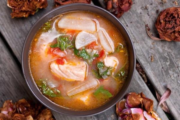 19. Canh cá hồi có nguồn gốc từ Philippin.