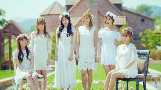 Eunji (ngoài cùng bên trái) có sự nghiệp solo nổi bật nhất nhóm.