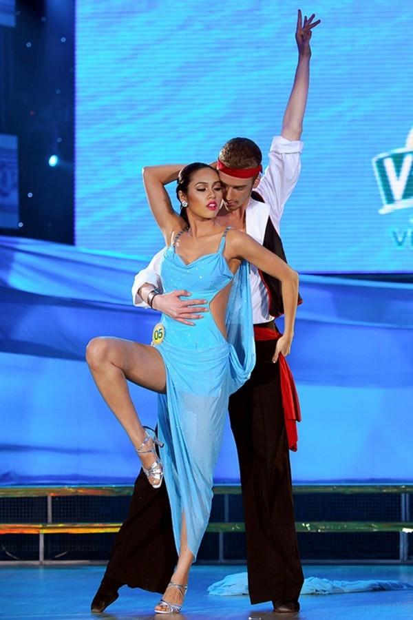 Những tai nạn phản cảm của Sao Việt trên sân khấu Bước nhảy hoàn vũ