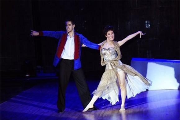 Mới đây, trong đêm liveshow 8 của Bước nhảy hoàn vũ 2014, Diễm My 9x đã hóa thân thành nhân vật Fantine trong vở nhạc kịch nổi tiếng Những người khốn khổ. Sự thể hiện xuất sắc của Diễm My đã chiếm được cảm tình của đông đảo người xem và 4 vị giám khảo.
