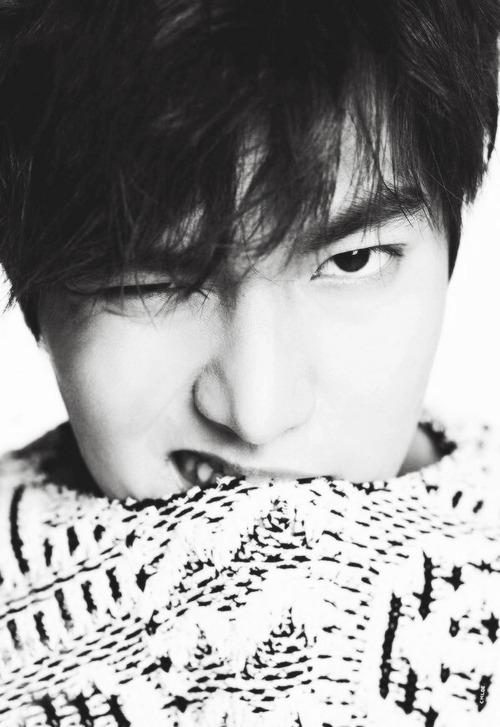 Lee Min Ho luốn muốn rút ngắn khoảng cách với các fan hâm mộ