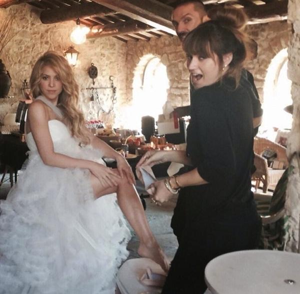 Shakira đang bận rộn trong quá trình thực hiện một MV mới để gửi tới cho khán giả