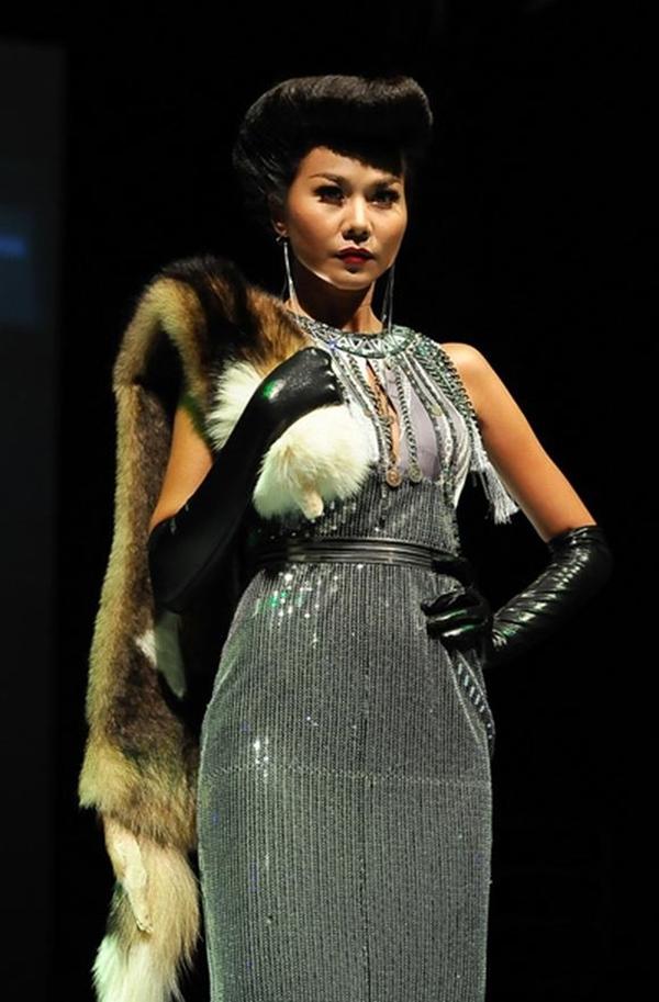 Người bạn thân thiết của Hồ Ngọc Hà,siêu mẫu Thanh Hằng cũng một lần thể hiện mình trong tạo hình hồ ly trên một sàn diễn thời trang. - Tin sao Viet - Tin tuc sao Viet - Scandal sao Viet - Tin tuc cua Sao - Tin cua Sao