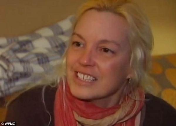 Cô gái tìm được mẹ sau 27 năm thất lạc nhờ facebook