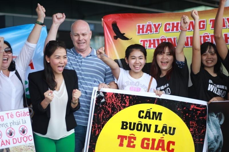 Vợ chồng Thu Minh hào hứng đi Nam Phi bảo vệ tê giác - Tin sao Viet - Tin tuc sao Viet - Scandal sao Viet - Tin tuc cua Sao - Tin cua Sao