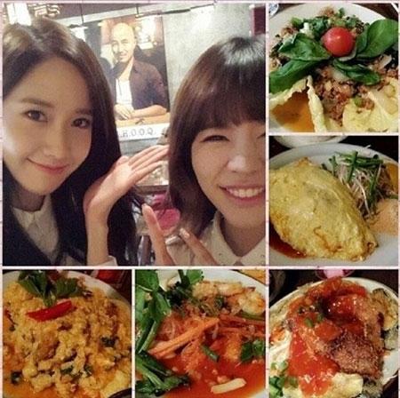"""Sunny đăng tải hình ảnh """"hẹn hò"""" cùng Yoona,hai cô nàng đến nhà hàng của một người bạn và thưởng thức rất nhiều món ăn hấp dẫn."""