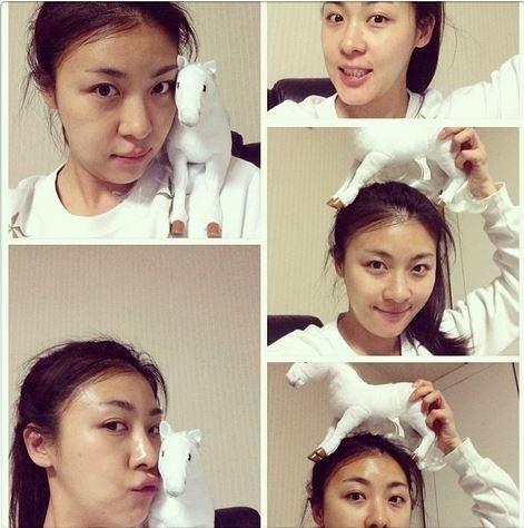 Ha Ji Won khoe hình mặt mộc cực xinh bên chú ngựa trắng bằng bông