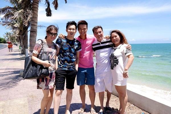 Đàm Vĩnh Hưng đã có chuyến đi du lịch cùng gia đình và Dương Triệu Vũ.
