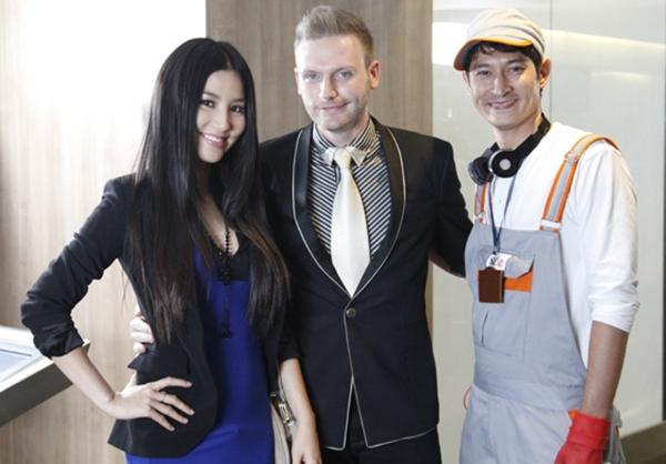 Kyo và các diễn viên trong một bộ phim truyền hình được khán giả yêu thích năm 2013
