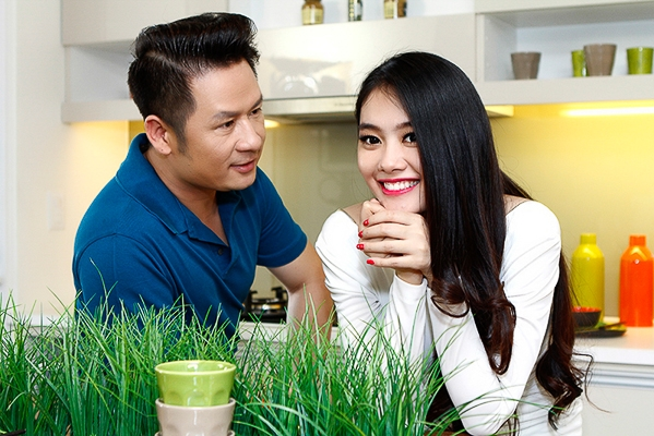 Bằng Kiều tình tứ với Á hậu Linh Chi tại nhà riêng - Tin sao Viet - Tin tuc sao Viet - Scandal sao Viet - Tin tuc cua Sao - Tin cua Sao