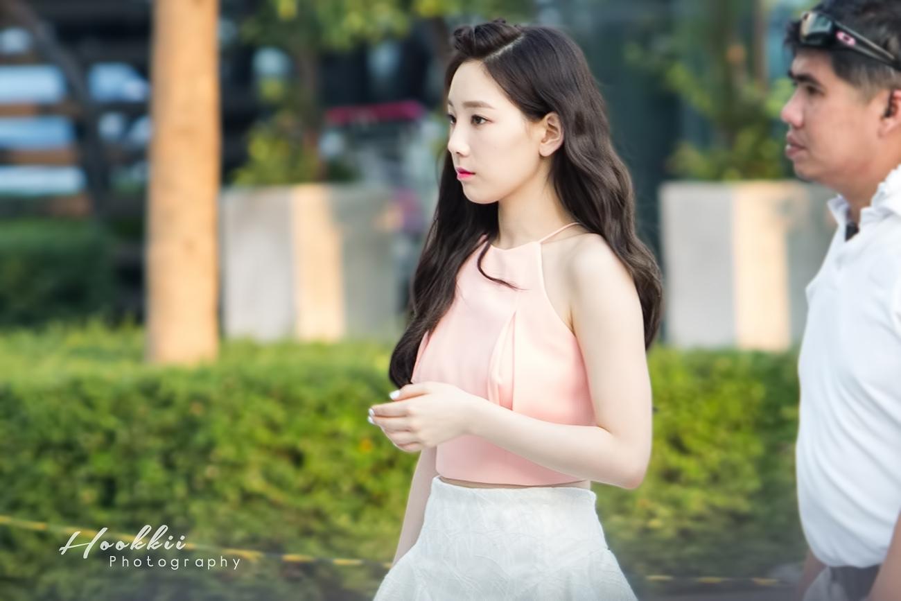 Taeyeon khóc vì tình cảm của fan Thái