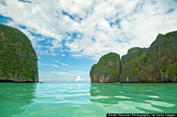 Vịnh Hạ Long sánh vai cùng các địa danh du lịch nổi tiếng thế giới