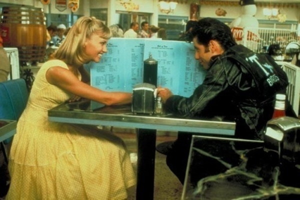 Bạn không biết nói gì trong buổi hẹn hò đầu tiên?