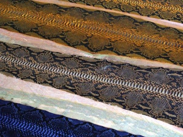 Để có được những tấm da đẹp như thế này là cả một quá trình xử lý công phu của các công nhân. Vì thế những sản phẩm chế tạo từ da rắn cũng có giá rất cao ngoài thị trường.