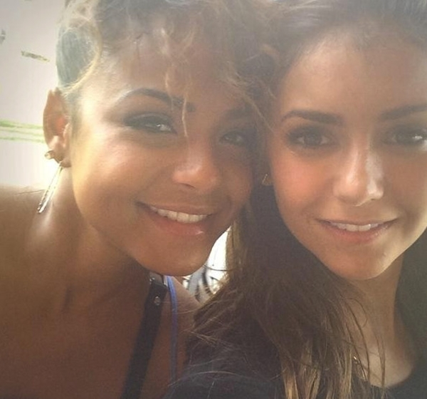 Nina Dobrev và Christina Milian vui vẻ thân thiết cùng nhau. Hai cô nàng đã lưu giữ khoảnh khắc này lại bằng một bức ảnh.