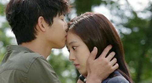 Song Joong Ki và Moon Chae Won trong Nice Guy