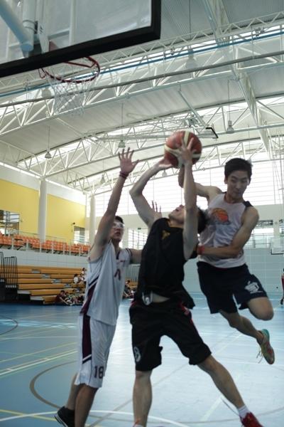 Hào hứng giải bóng rổ 3 đấu 3 tại ĐH Quốc Tế RMIT