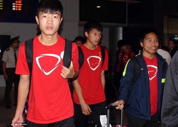 U19 Việt Nam trở về trong vòng tay người hâm mộ