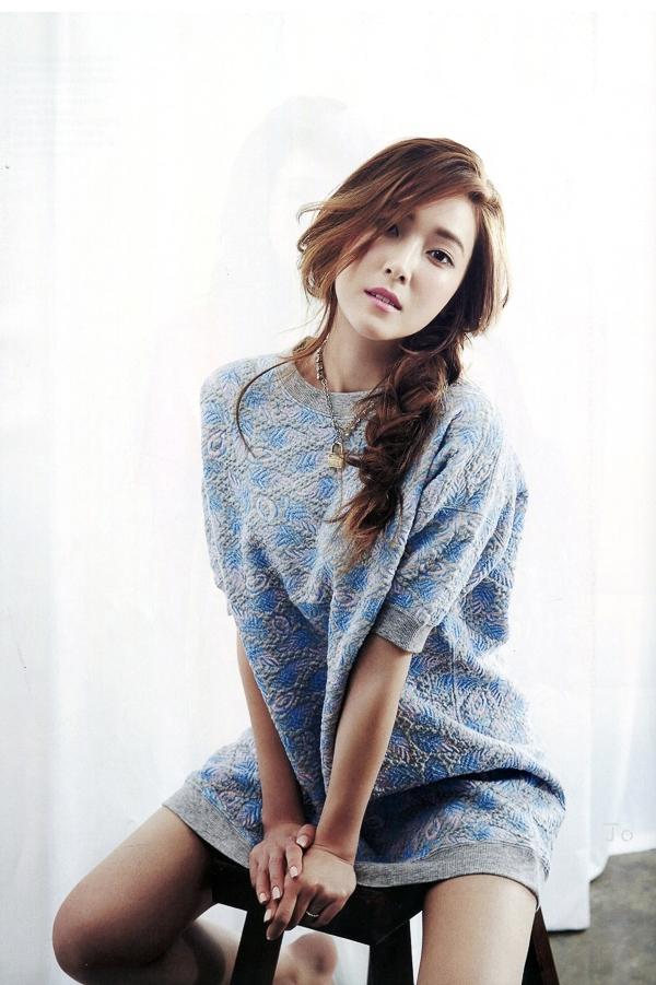 Jessica (SNSD) quyến rũ nhẹ nhàng trên tạp chí Harper's Bazaar