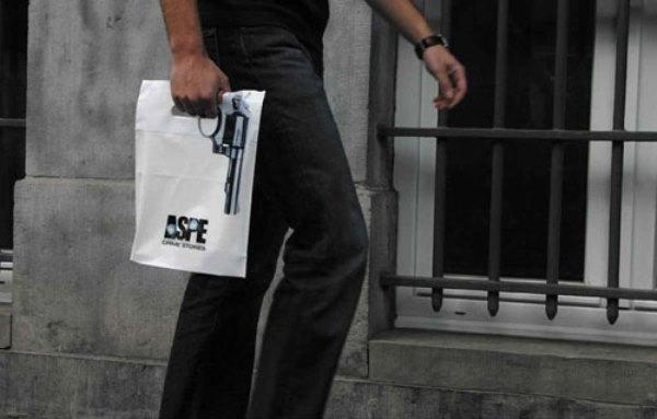 Cười ngất với những mẫu túi shopping bá đạo