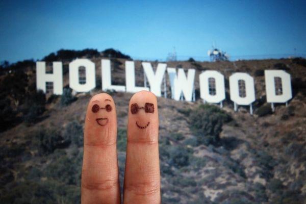 """Trào lưu """"Ngón tay du lịch"""" gây sốt cộng đồng mạng"""