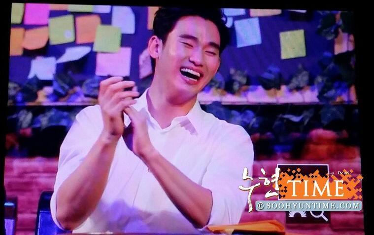 Fan sốc với hình ảnh cười tít mắt của Kim Soo Hyun tại Indonesia