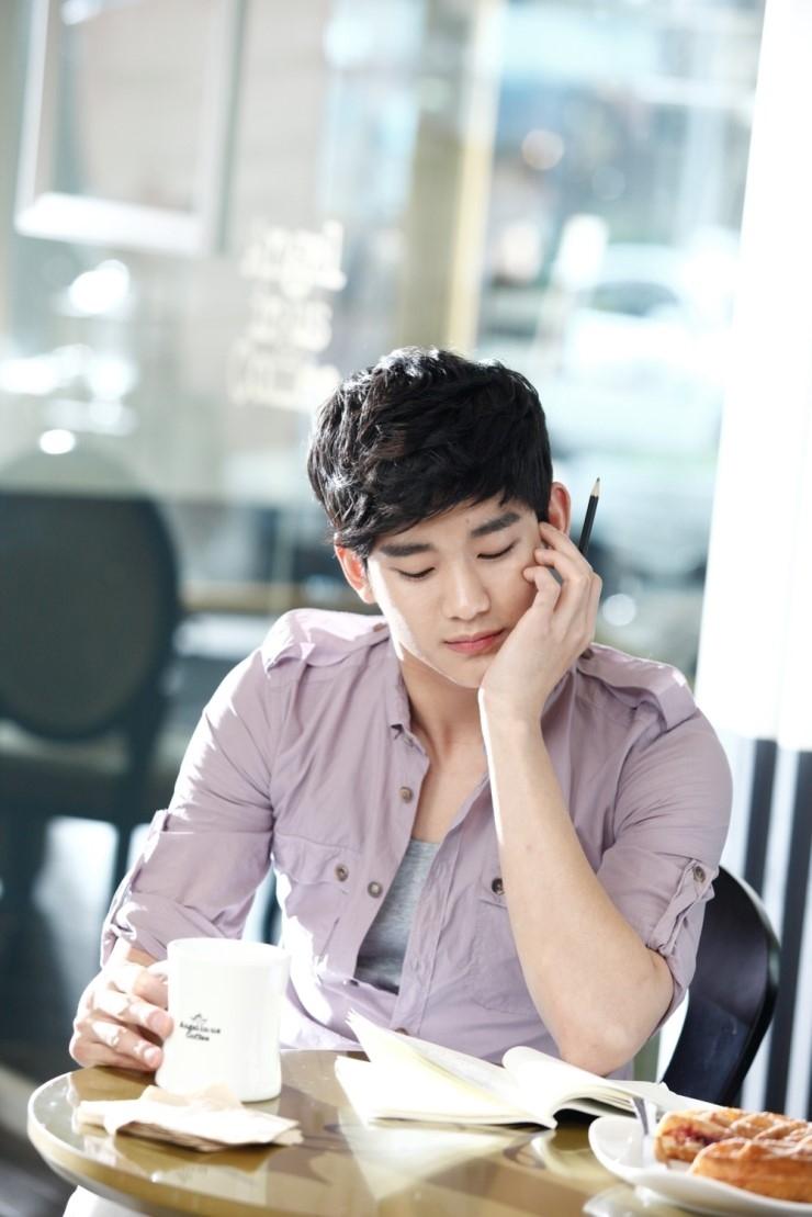 Kim Soo Hyun kiếm hơn chục triệu đô chỉ trong 2 tháng