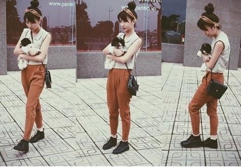"""Ngày 30/4, hot girl Quỳnh Anh Shyn đi dạo phố với phong cách thời trang năng động. Người bạn đồng hành cùng cô là chú cún đáng yêu: """"Cho Sườn đi chơi ngày nắng"""". - Tin sao Viet - Tin tuc sao Viet - Scandal sao Viet - Tin tuc cua Sao - Tin cua Sao"""