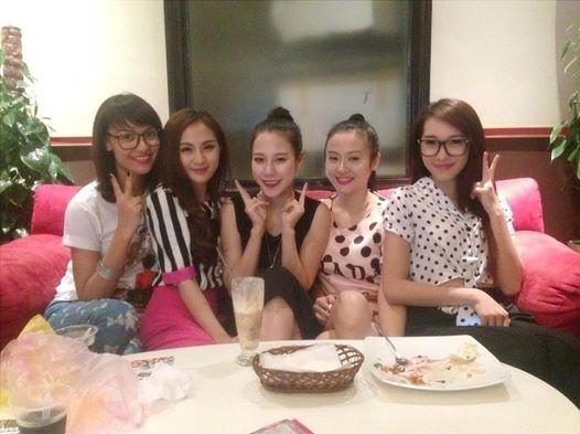 Hot girl Kelly Nguyễn, Emily cùng bạn bè gặp nhau tại Hà Nội. - Tin sao Viet - Tin tuc sao Viet - Scandal sao Viet - Tin tuc cua Sao - Tin cua Sao