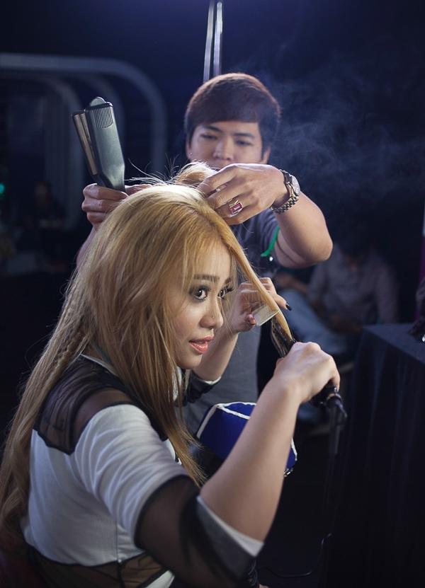 """Shakira và Britney phiên bản Việt """"đối đầu"""" trên sân khấu Gương mặt thân quen - Tin sao Viet - Tin tuc sao Viet - Scandal sao Viet - Tin tuc cua Sao - Tin cua Sao"""