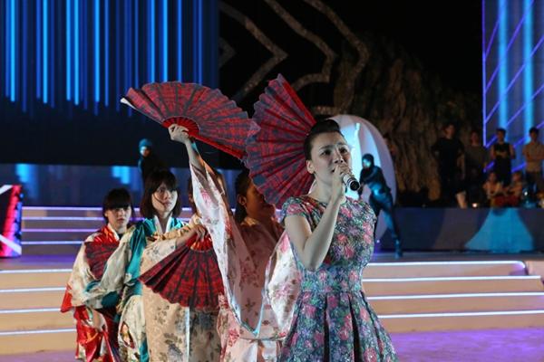 Hồ Quỳnh Hương lộ diện sau sự cố xù show tại Hạ Long - Tin sao Viet - Tin tuc sao Viet - Scandal sao Viet - Tin tuc cua Sao - Tin cua Sao