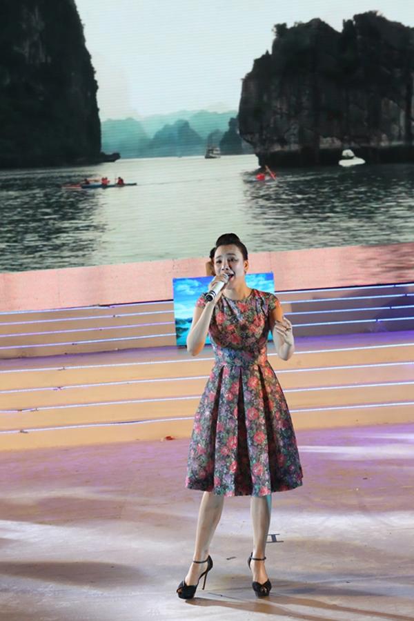Hồ Quỳnh Hương đắm chìm trong những ca khúc sâu lắng, ngọt ngào. - Tin sao Viet - Tin tuc sao Viet - Scandal sao Viet - Tin tuc cua Sao - Tin cua Sao