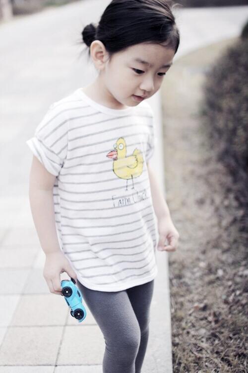 Phát sốt với cậu bé phiên bản mini của Taeyeon
