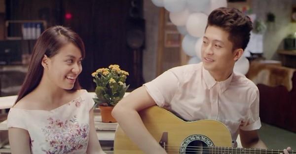 """[Starbuzz] Hoàng Thùy Linh và Harry Lu - cặp đôi tin đồn sẵn sàng chờ fan """"chặt chém"""""""