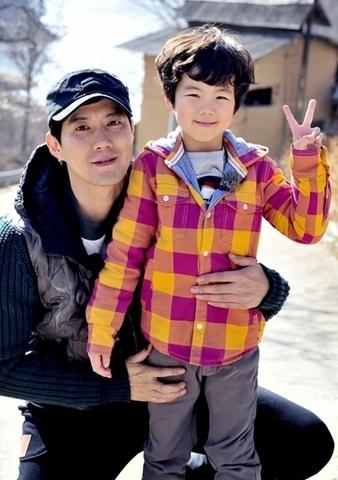 Nam diễn viên Ryu Jin (tên thật là Im Yoo Jin) cùng con trai Im Chan Hyung