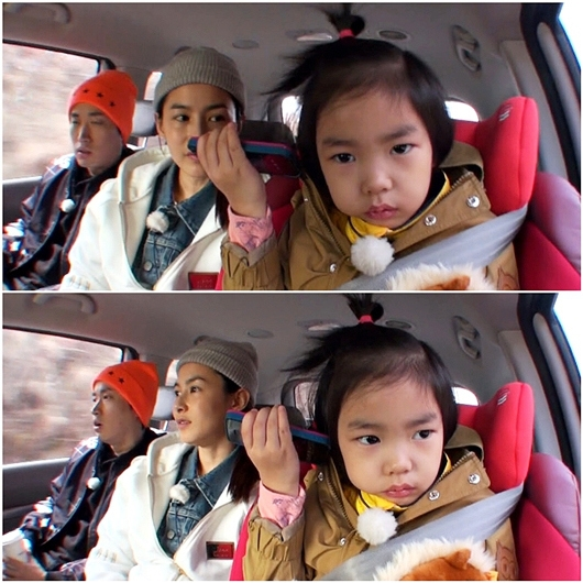 Rapper Tablo cùng vợ, diễn viên Kang Hye Jung và con gái Lee Haru